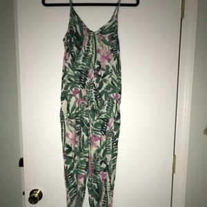 Old navy women's tropical jumper sz. Small